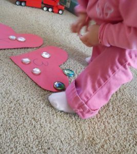 Valentine game for toddlers – Valentine Heart Hop