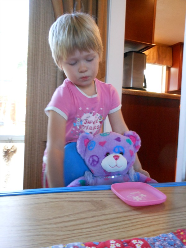 Goldilocks and the Three Bears -- love this storytelling with props idea! (3)