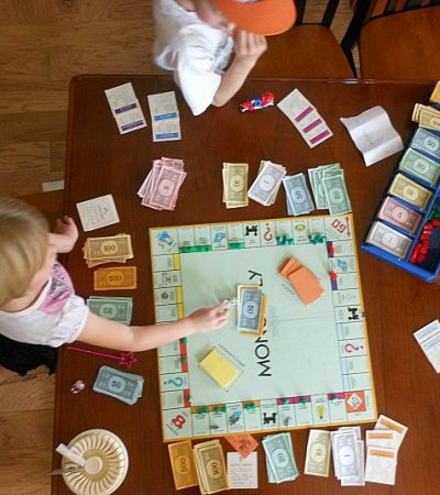 Games with kids: Monopoly Place Savors
