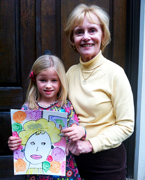 art history for kids! Celebrating Grandparents by painting their portrait.... love these tips!
